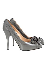 Giuseppe Zanotti Mouse Grey Bow Tie Pumps / Size: 37.5 - Fit: True to size