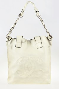 Chanel Edgy Off-White Leather Tote Bag with Shoulder Strap