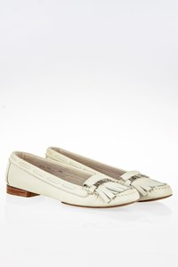 Emporio Armani Ivory Leather Loafers / Size: 39 - Fit: True to Size
