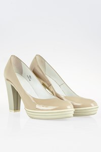 Hogan Beige Patent Leather Pumps with Rubber Heels / Size: 39.5 - Fit: 39
