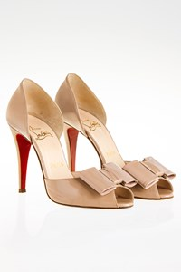 Christian Louboutin Jolie Noeud Dorcet Nude D'Orsay Pumps / Size: 38 - Fit: True to Size
