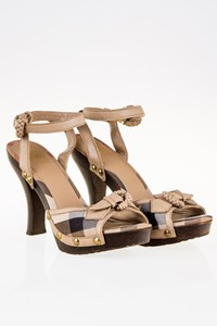 Burberry Prorsum Nova Check Sandals with Wooden Heel / Size: 38 - Fit: True to size