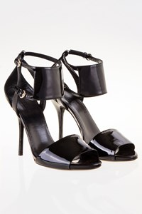 Gucci Sevigny Black Patent Leather Sandals / Size: 38.5C - Fit: True to size
