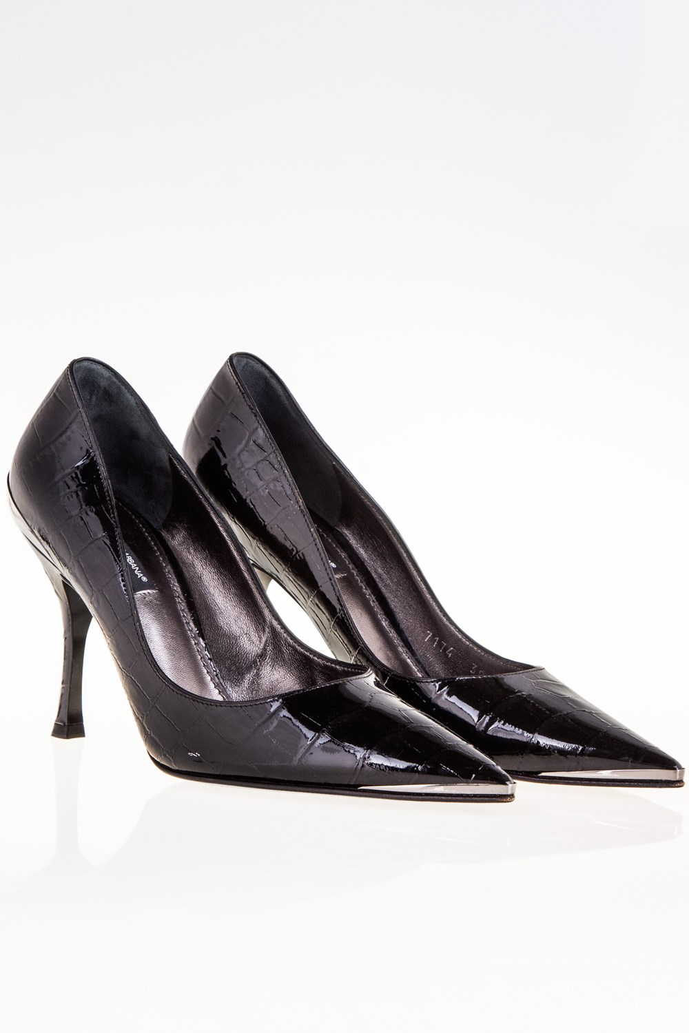0cae8f3b9cf4 Dolce   Gabbana Black Patent Leather Pointed Toe Pumps   Size  38.5 - Fit   ...