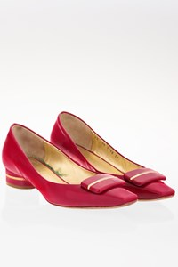 Escada Raspberry Patent Leather Low Heel Pumps / Size: 39 - Fit: True to size