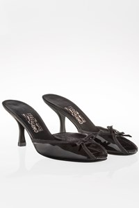 Salvatore Ferragamo Black Patent Leather Mules with Bow / Size: 40 - Fit: 39.5
