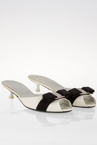Salvatore Ferragamo White Patent Leather Mules with Black Bow / Size: 6 US (36) - Fit: 36.5