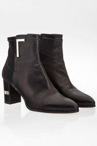 Stuart Weitzman Black Leather Pointed Ankle Boots / Size: 38.5 - Fit: 39 (Loose)
