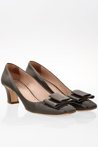 Miu Miu Grey Patent Leather Low-heel Pumps / Size: 39 - Fit: 40
