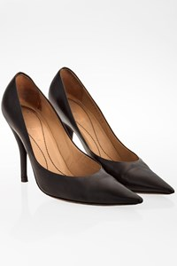 Yves Saint Laurent Black Leather Pumps / Size: 38 - Fit: 38.5