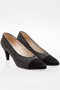 Chanel Grey Wool Cap-Toe Pumps / Size: 36.5 - Fit: True to size