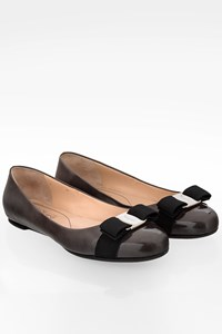 Salvatore Ferragamo Anthracite Varina Patent Leather Ballerinas / Size: 7C (37.5) - Fit: True to size