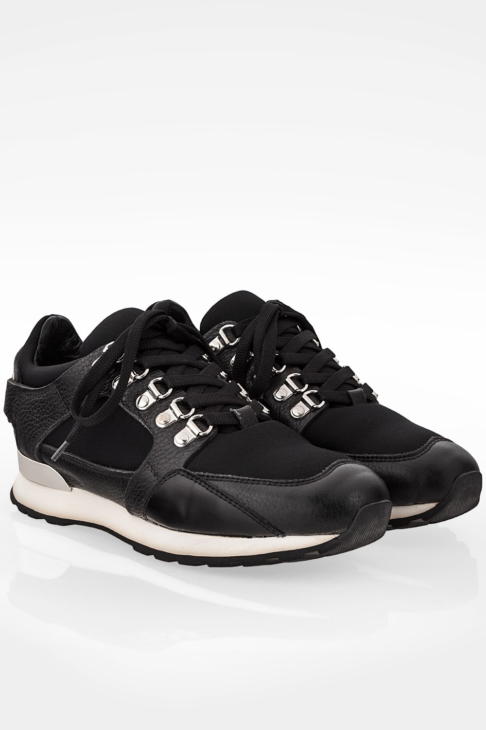 Black Sneakers with Plaque / Size: 37