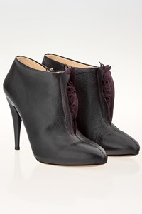 Prada Black Leather Ankle Boots / Size: 37.5 - Fit: 36.5