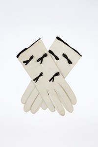 Escada Ivory Leather Gloves with Bows