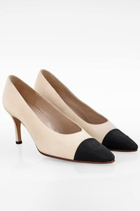 Chanel Ecru Cap-Toe Pumps with CC Logo / Size: 38 - Fit: True to size