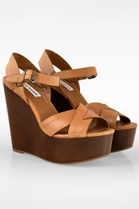 Steve Madden Tan Leather Wedge Sandals / Size: 7.5 (38) - Fit: True to size