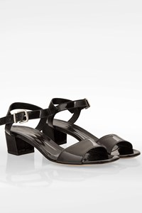 Gianvito Rossi Black Patent Leather Low Heel Sandals / Size: 39.5 - Fit: True to size