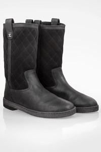Chanel Black Quilted Suede Boots with CC / Size: 40 - Fit: 39
