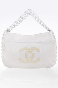 Chanel White Leather Shoulder Bag with Acrylic Chain