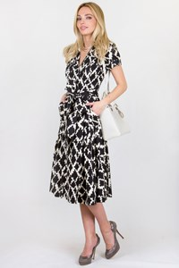 DVF Black and White Printed Wrap Dress / Size: 4 US