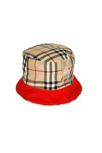Burberry Red Hat logo Piping