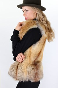 Skinz at Runway Beige Fox Fur Vest / Size: ? - Fit: XS