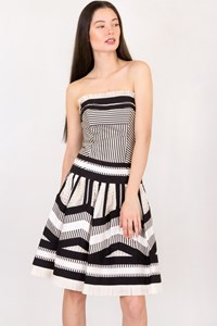 DVF Black and White Striped Cocktail Dress / Size: 4 US - Fit: XS