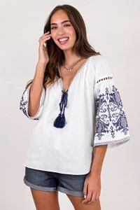 Ancient Kallos White Ethnic Cotton Blouse with Blue Knitted Details / Size: S - Fit: True to size