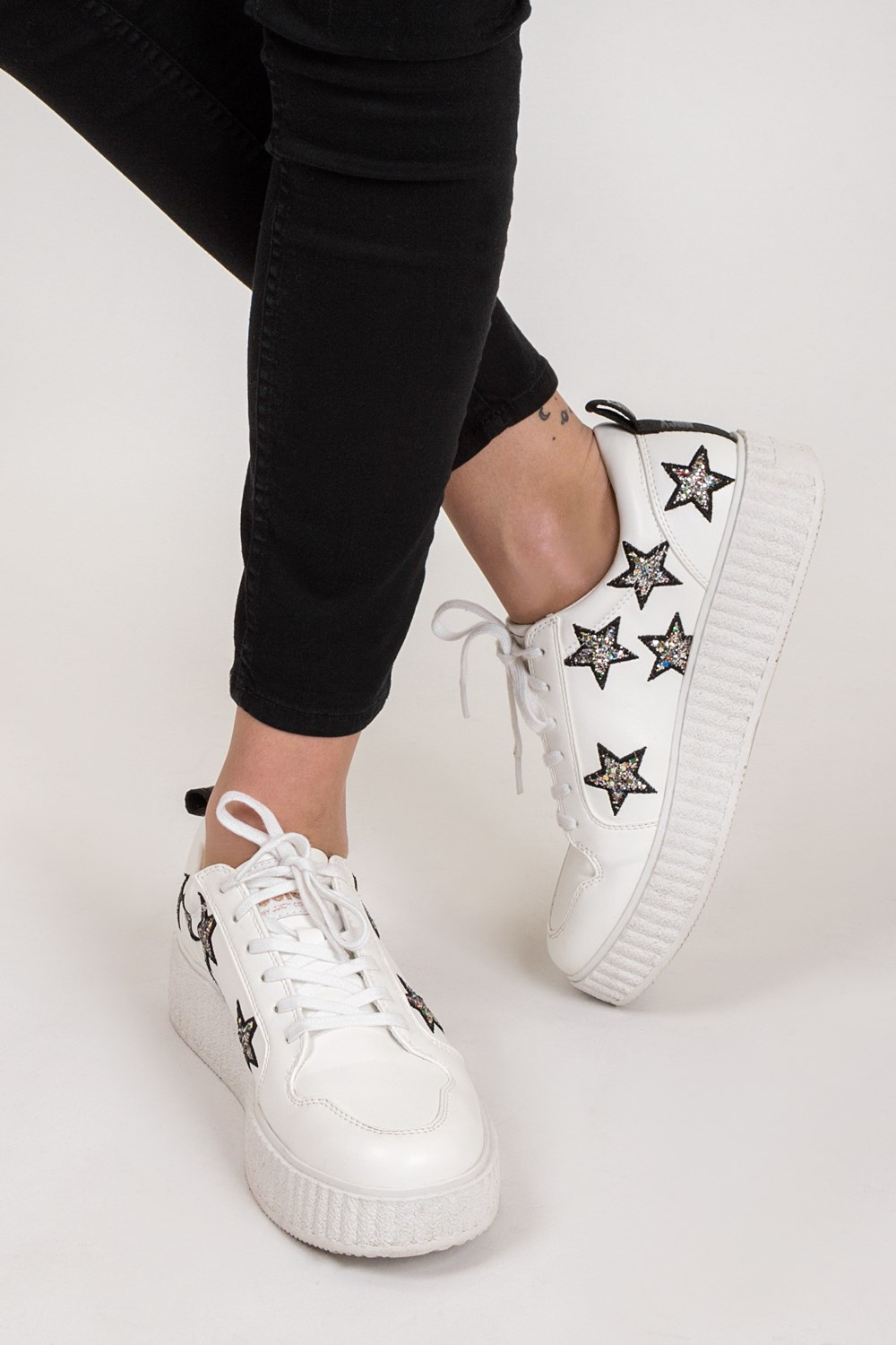 White Daisy Sneakers with Stars / Size